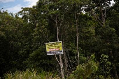 11.- Estas invasiones se realizaron, denuncian desde la comunidad nativa Centro Arenal, porque se anticipaba que la carretera Bellavista - Mazán - Salvador - El Estrecho iba a pasar por ahí.