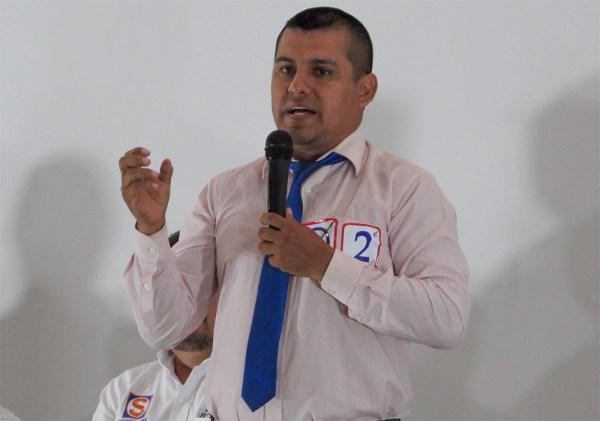 Julio Tueros (Perú Nación)