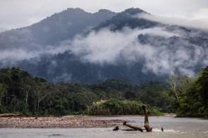 Río Huayabamba, camino a la concesión para conservación El Breo. Huicungo - San Martín. Esta se encuentra ubicada en la zona de amortiguamiento del Parque Nacional del Río Abiseo. Foto: Diego Pérez / GIZ