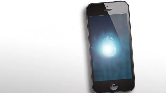 iphone 5s sensor huellas El sensor de huellas del iPhone 5S está complicando la producción del teléfono