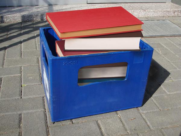 Para contrarestar un polémico comercial de cerveza, ahora se venderán libros por petaco