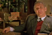 Anthony Hopkins interpreta a C. S. Lewis en 'tierras de Penumbra'.