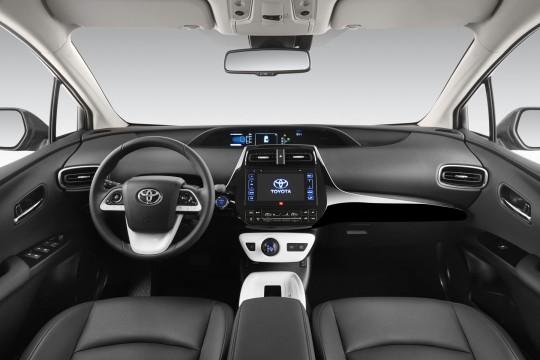 Toyota_Prius_2015_f37b8-540-360