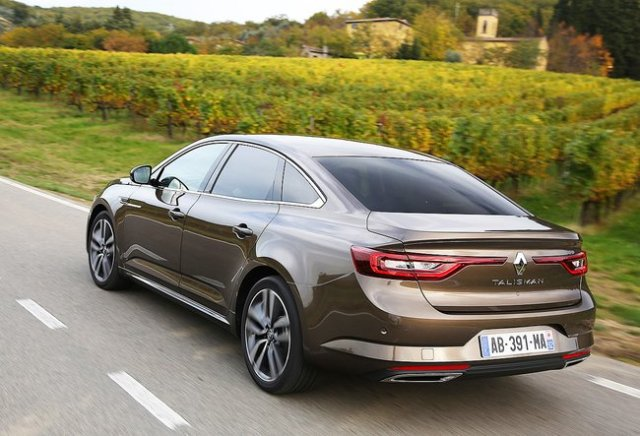 028A000008231118-photo-essai-renault-talisman