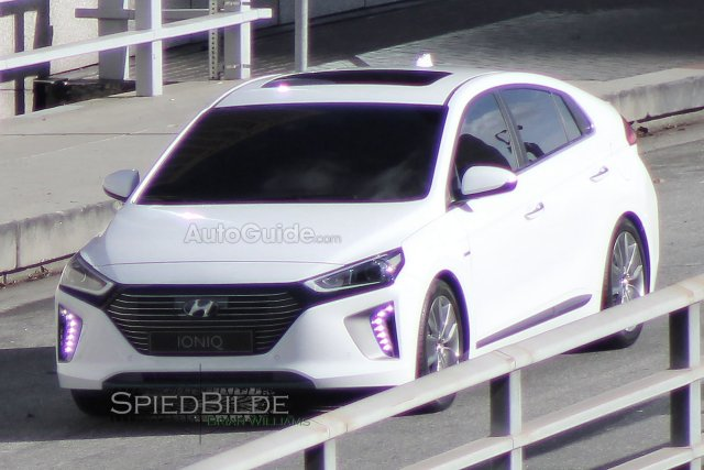 S0-Surprise-la-Hyundai-Ioniq-en-clair-368624