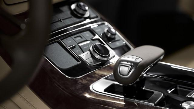 L'actuel habitacle de la limousine A8 propose des matériaux les plus soignés
