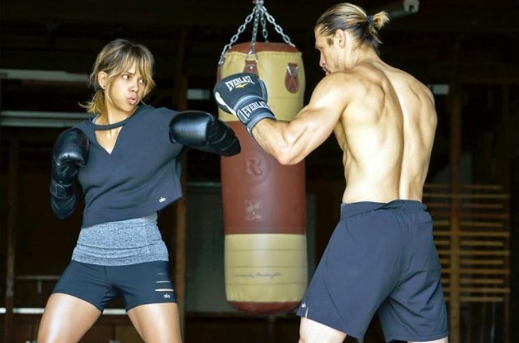 Valentina Shevchenko dit qu'Halle Berry pourrait rivaliser avec les combattantes de l'UFC