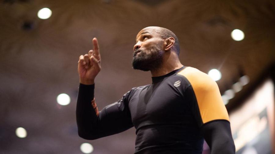 Regardez le physique impressionnant de Yoel Romero avant l'UFC 248