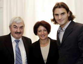 Robert et Lynette avec le jeune Roger