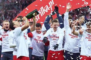 joie qualification Pologne Euro2016 joueur champagne