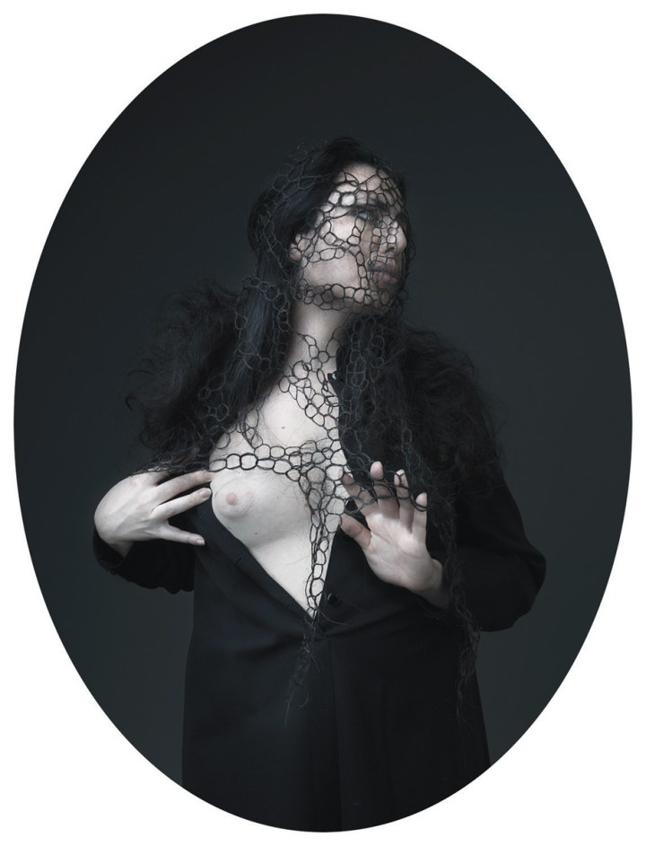 Matteo Basilè, Unseen Chimera#1, ovale, 70x90 cm. Courtesy dell'autore