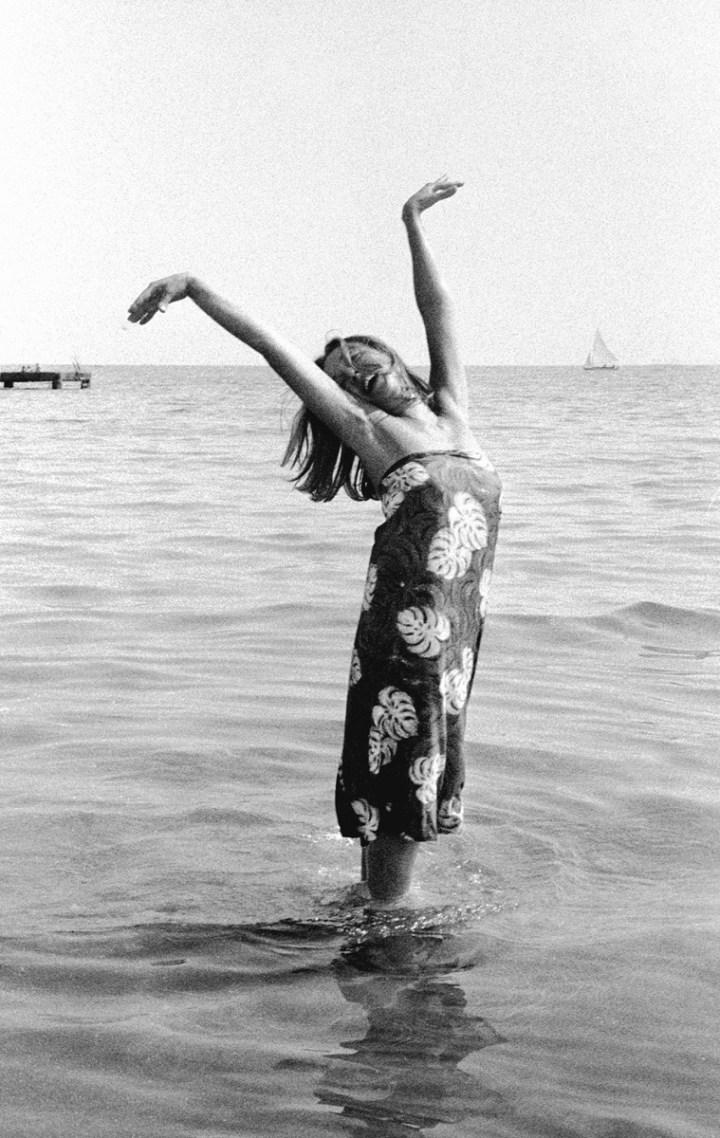 Oriana Fallaci, Festival del Cinema, Lido di Venezia, 1963. Foto Paolo Di Paolo © Archivio Paolo Di Paolo