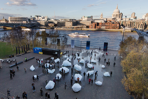 Olafur Eliasson and Minik Rosing, Ice Watch, 2014, blocks of glacial ice, dimensions variable Supported by Bloomberg. Installation: Bankside, outside Tate Modern, 2018. Photo: Charlie Forgham Bailey © 2018 Olafur Eliasson and Minik Rosing