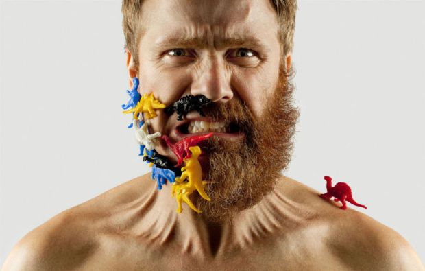 gallery-1429297927-esq-adriano-alacron-beard-07