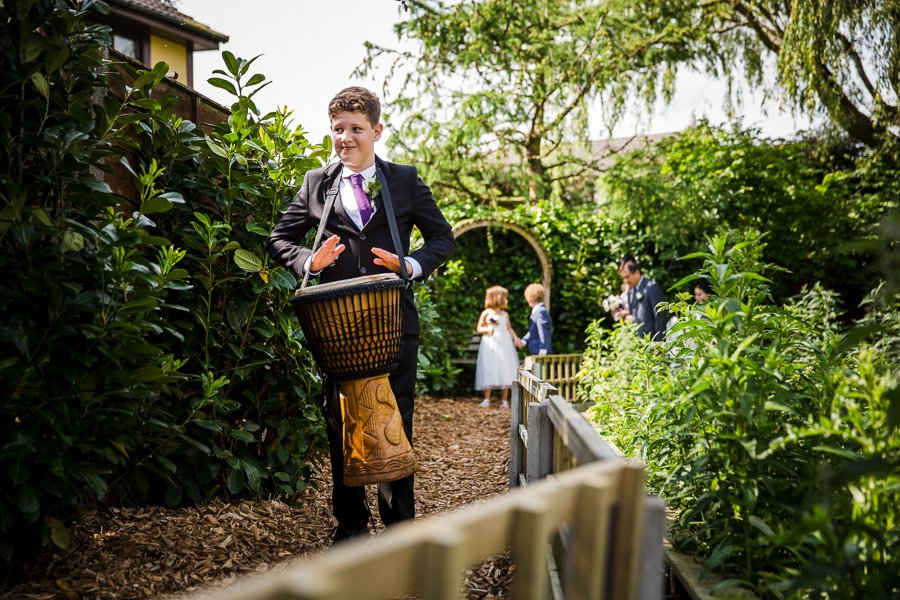 Home garden wedding photographer0006