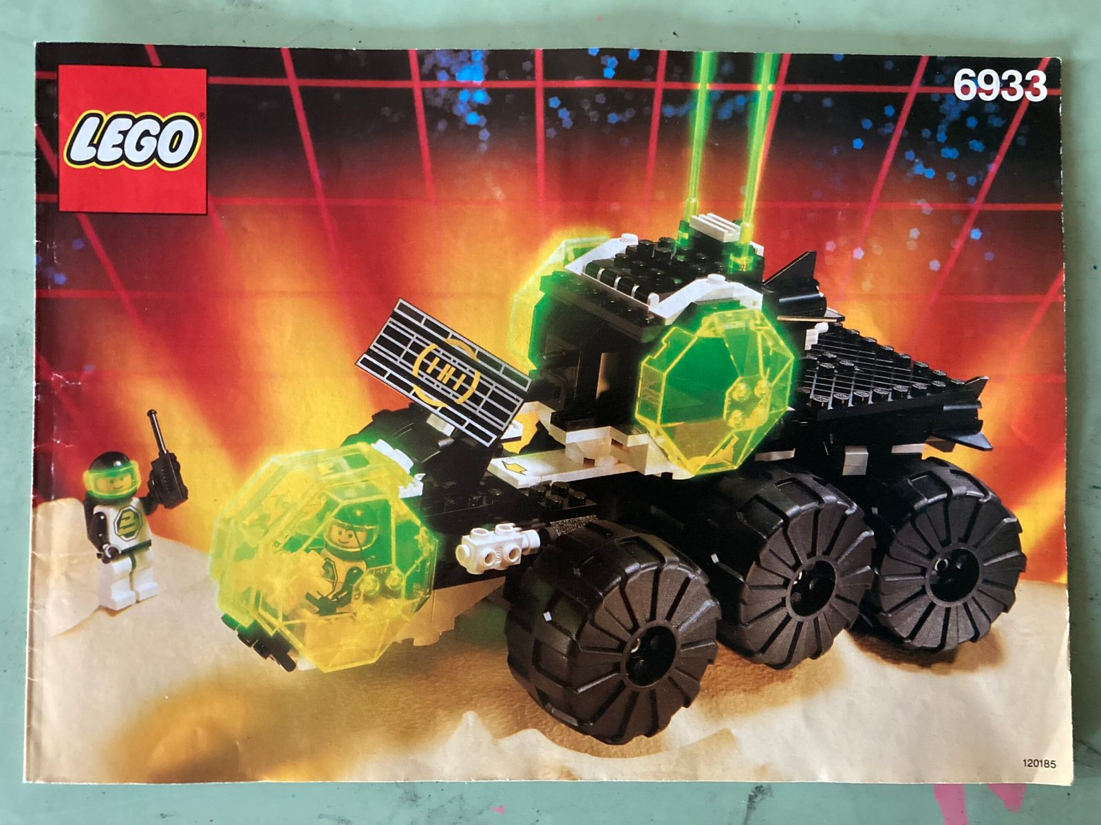 6933 Spectral Starguider
