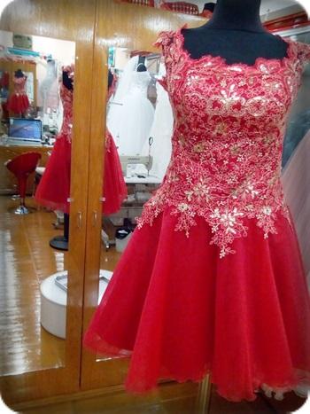 Kırmızı kına kıyafeti