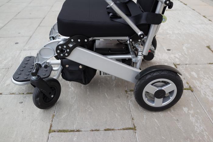 Silla de ruedas elctrica y plegable KITTOS