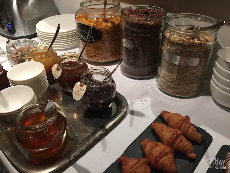 hotel emilia barcelone breakfast