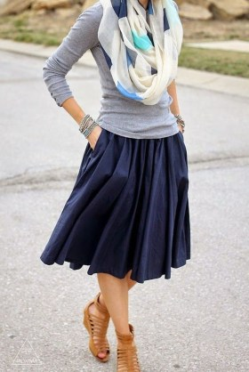 Modest But Classy Skirt Outfits Ideas Suitable For Fall26