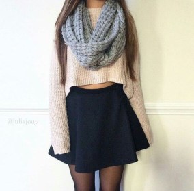 Modest But Classy Skirt Outfits Ideas Suitable For Fall39