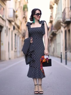 Amazing Looks For Over 40 Women Inspiration06