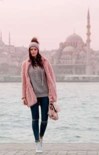 Cute Winter Outfits Ideas To Copy Right Now28