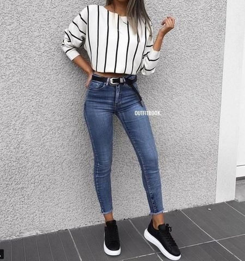 22 Fabulous and Fashionable School Outfit Ideas For College Girls