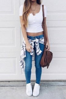 Fabulous And Fashionable School Outfit Ideas For College Girls22