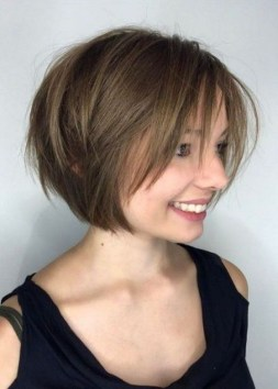 Cute Layered Bob Hairstyles Ideas37