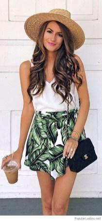 Perfect Wearing Summer Shorts Ideas09