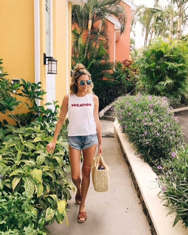 Perfect Wearing Summer Shorts Ideas37