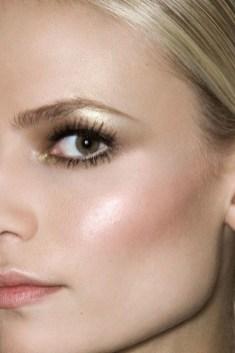 Popular Shimmer Summer Makeup Ideas07