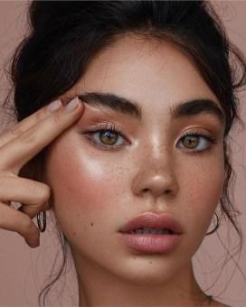Popular Shimmer Summer Makeup Ideas35
