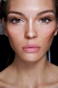 Popular Shimmer Summer Makeup Ideas45