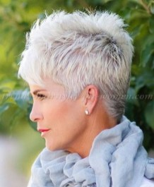Pretty Grey Hairstyle Ideas For Women21