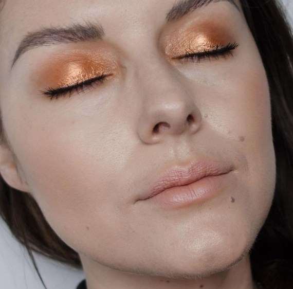 Stunning Shimmer Eye Makeup Ideas 201841