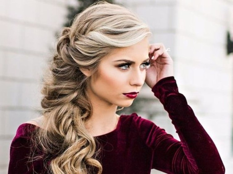 Awesome Hairstyles Christmas Party Ideas23