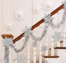 Casual Winter Themed Christmas Decorations Ideas04