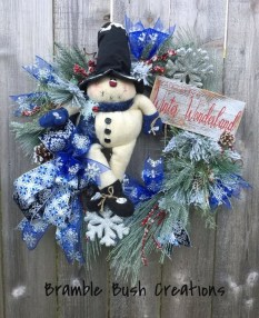 Casual Winter Themed Christmas Decorations Ideas12