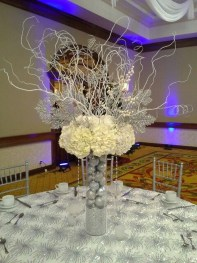 Classy Winter Wonderland Wedding Centerpieces Ideas11