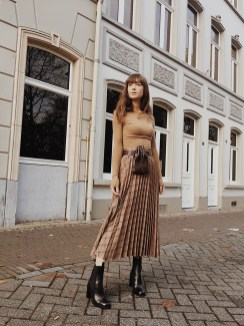 Elegant Midi Skirt Winter Ideas23