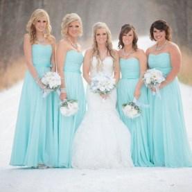 Fabulous Winter Wonderland Wedding Dresses Ideas28