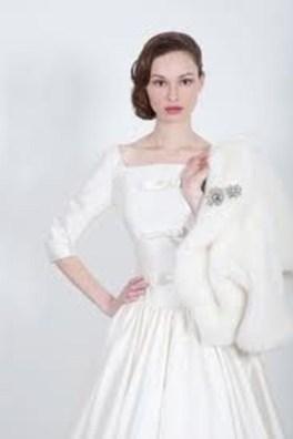 Fabulous Winter Wonderland Wedding Dresses Ideas34
