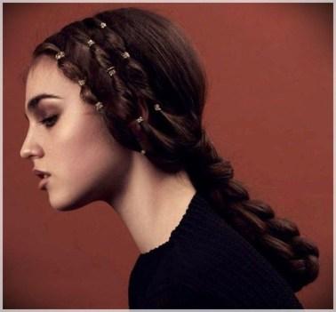 Latest Winter Hairstyle Ideas25