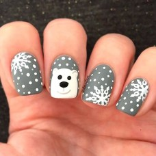 Modern Christmas Nails Ideas07