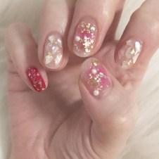 Modern Christmas Nails Ideas21