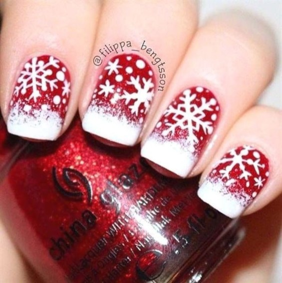 Modern Christmas Nails Ideas50