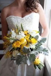 Modern Rustic Winter Wedding Flowers Ideas31