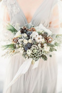 Modern Rustic Winter Wedding Flowers Ideas33